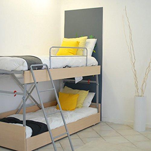 Canapé lit de nuit et canapé de jour au château Sommiers verticaux